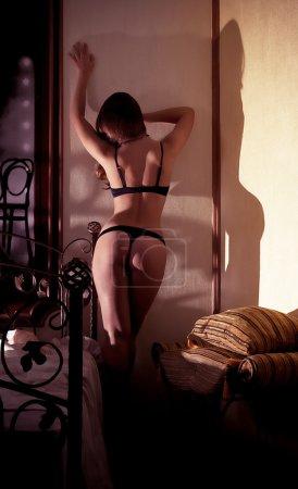 Foto de Sexy chica hermosa morena en ropa interior - Imagen libre de derechos