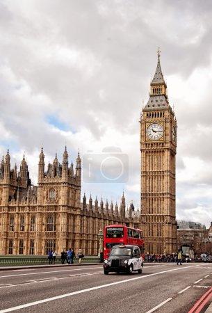Photo pour La tour de l'horloge, nommée en hommage à la Reine elizabeth ii dans son jubilé de diamant, plus populairement connue comme big ben. - image libre de droit