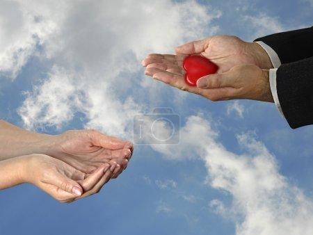 Photo pour Don de coeur - image libre de droit