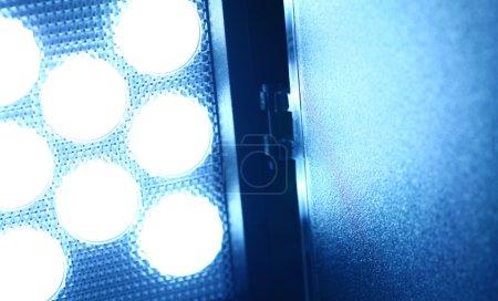Photo pour Gros plan d'une lumière vidéo LED - image libre de droit