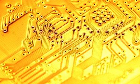 Photo pour Fermeture d'une carte électronique - image libre de droit