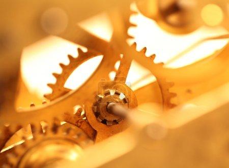 Photo pour Fermeture d'un mécanisme d'horloge interne - image libre de droit