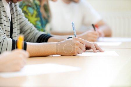 students make notes