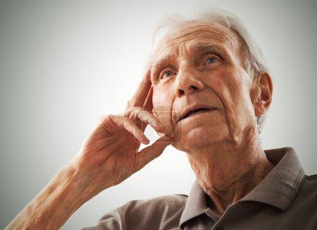 Photo pour Portrait d'hommes âgés âgés - image libre de droit
