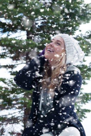 Photo pour Chute de neige - image libre de droit