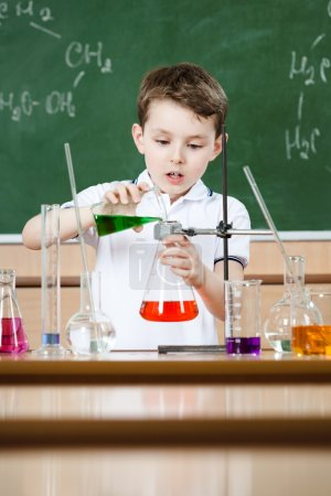 Little chemist conducts an experiment