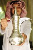 Hagyományos keleti Arab szokás szakadó kávé