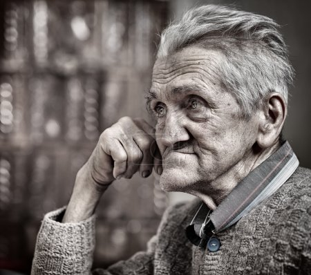 Photo for Closeup portrait of an expressive old man in his 80s - Royalty Free Image
