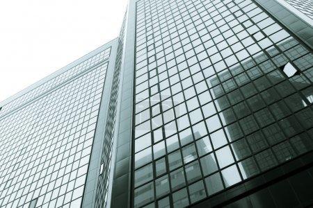 Photo pour Bâtiments d'architecture moderne - image libre de droit