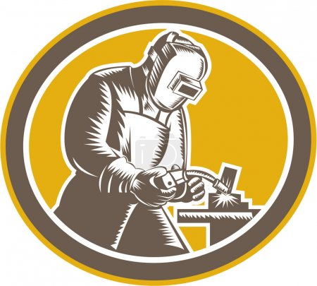 Illustration pour Illustration d'un ouvrier de soudeur travaillant à l'aide d'une torche de soudage vue de côté à l'intérieur ovale sur fond isolé, réalisée dans un style rétro gravé sur bois . - image libre de droit