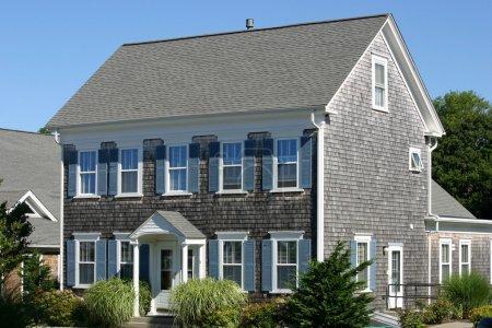 Photo pour Une maison traditionnelle du Cap cod à provincetown, massachusetts - image libre de droit