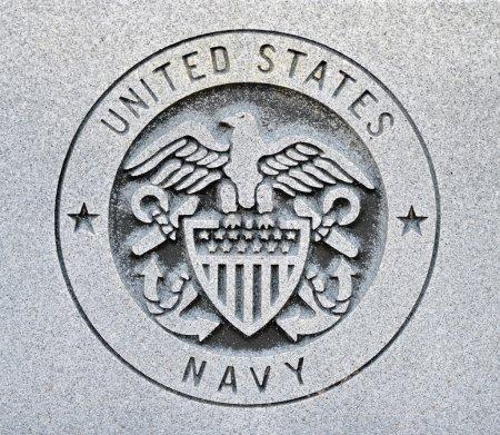 Photo pour Le sceau des États-Unis marine gravée dans le granit - image libre de droit