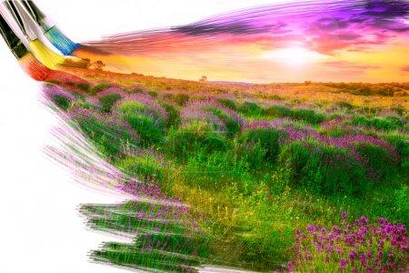 Photo pour Artiste peinture au pinceau image de beau paysage - image libre de droit