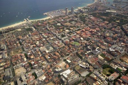Foto de Vista de la Barcelona desde un helicóptero - Imagen libre de derechos