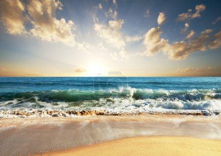 Photo pour Coucher de soleil - image libre de droit