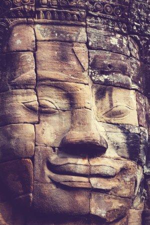 Photo pour Face de pierre au temple Bayon à Angkor Wat, Cambodge - image libre de droit