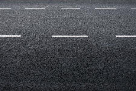 Photo pour Route asphaltée, détail des frais nouveau trafic routier. - image libre de droit