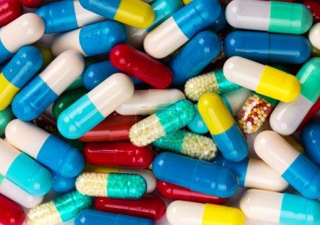 Viele bunte Medikamente