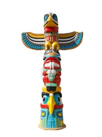 Photo pour Idole indigène colorée isolée sur blanc - image libre de droit
