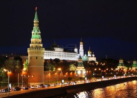Photo pour Vue de nuit du Kremlin de Moscou en Russie - image libre de droit