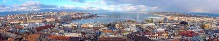 Photo pour Panorama de la ville de Genève par une belle journée de cathédrale saint-pierre célèbre, Suisse (hdr) - image libre de droit