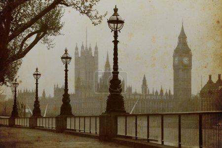 Photo pour Big Ben & maisons du Parlement, Découvre dans le brouillard - image libre de droit
