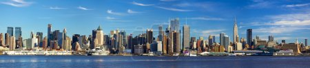 Photo pour Panorama de skyline de Manhattan avec renforcement des état empire, new york city - image libre de droit