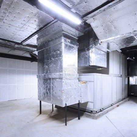 Photo pour Système de tuyauterie dans les bâtiments - image libre de droit