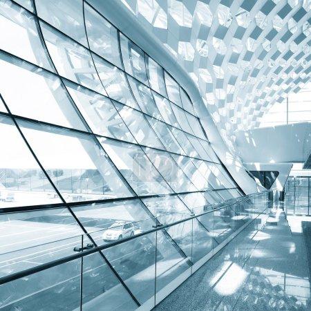 Photo pour Hall du bâtiment moderne - image libre de droit