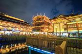 beautiful shanghai yuyuan garden at night