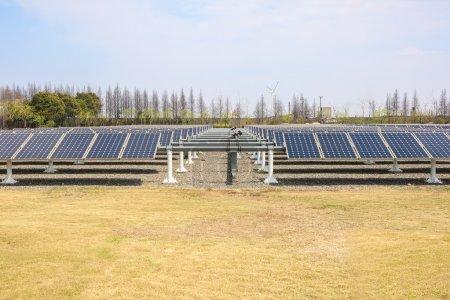 Foto de Grupo de paneles de energía solar, fondo de energía renovable - Imagen libre de derechos