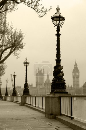 Big Ben & Houses of Parliament, view in fog