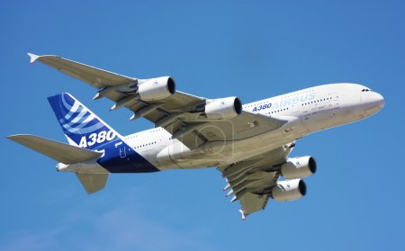 Airbus A380 demo flight at Farnborough