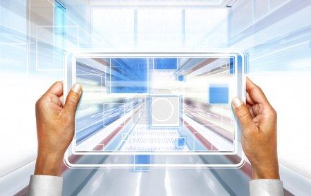 Photo pour Fond d'ordinateur avec des technologies d'ordinateur portable du futur - image libre de droit