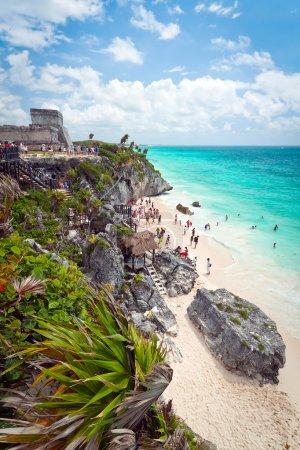 Photo pour Ancien temple des ruines mayas sur la plage de Tulum, Mexique - image libre de droit
