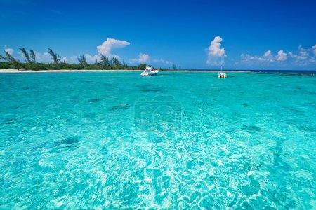 Snorkeling boat on turquise Caribbean Sea