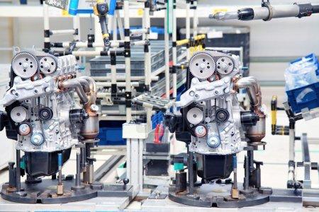 Photo pour Fabrication de pièces pour moteur de voiture - image libre de droit
