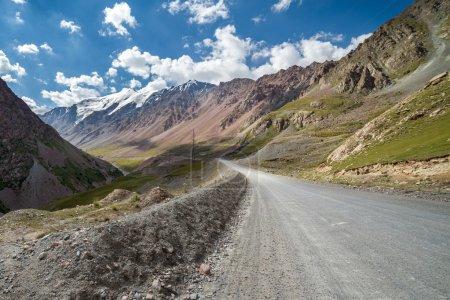 Sary-Moinok pass. Kirgizstan