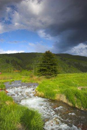 Photo pour Paysages de la soirée des montagnes Rocheuses dans le parc d'état de sylvan lake - image libre de droit