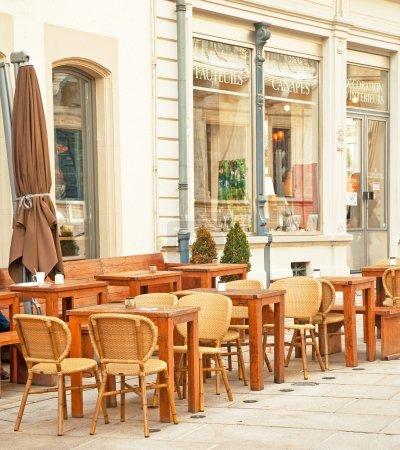 Photo pour Restaurant dans la ville - image libre de droit