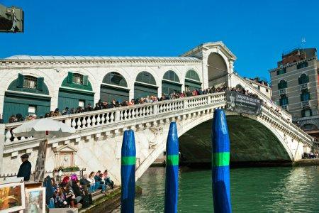 Photo pour Venise, vue sur le pont du Rialto. Italie . - image libre de droit