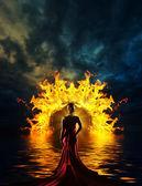 Žena v pekelné dveře