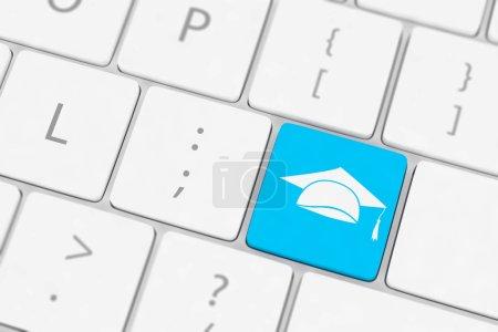 Photo pour Clavier d'ordinateur avec icône Education - image libre de droit