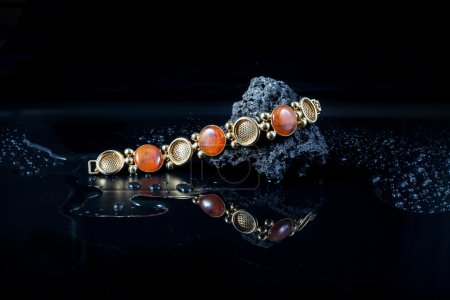 Jewelry bracelet with amber and silver beads