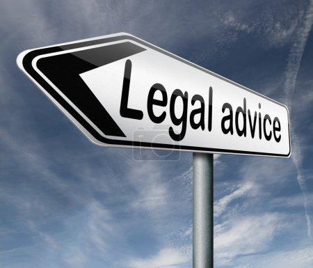 Photo pour Conseils juridiques ou renseignements fournis par un avocat-conseil lors d'un procès - image libre de droit