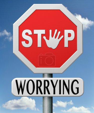 Foto de Deja de preocuparte no te preocupes, mantengan la calma y no entró, pánico costumbre ayudar sólo piensa en positivo y superar problemas - Imagen libre de derechos