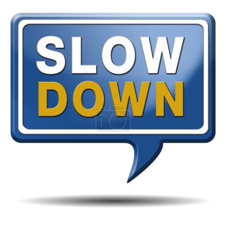 Photo pour Gestion de ralentir et de considérer l'aide facile à être calme et vous détendre du stress. bulle de texte bleu. - image libre de droit