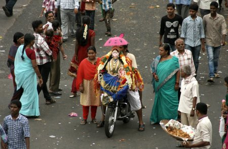 Transporting Ganesha idol for immersion