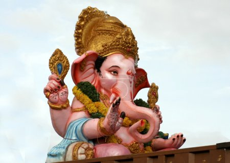 Ganesha idols on the way for immersion