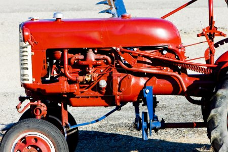tractor's detail